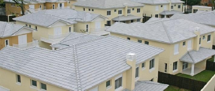 Estudos mostram que pintar telhado de branco não resolve problemas de conforto térmico