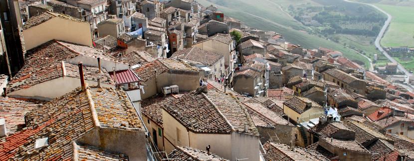 Cidade italiana dá casa de graça para quem quiser morar lá