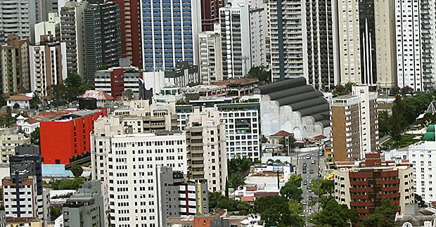 Venda de imóveis usados em Curitiba registra seu menor patamar em 15 anos