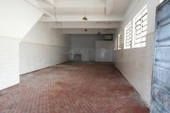 Salão 200 m2 e Fundos 80 m2 rua Bacarira 179